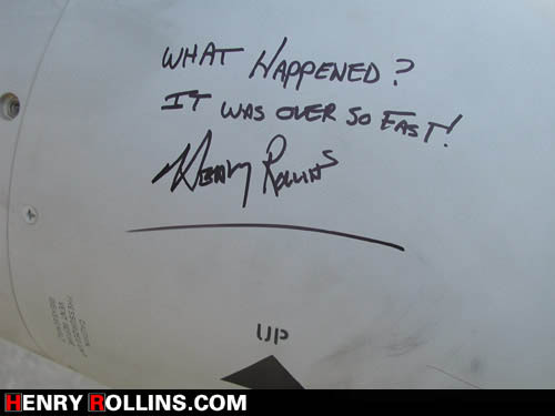 wontons-head-a-radical-place:  Mr. Henry Rollins signing a bomb visiting troops in IraqWatching shock and  awe, and he tells a story of this bomb signing, then said it can be googled.   (via sebastianlund)