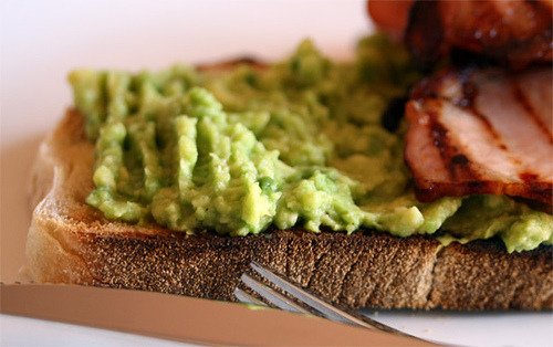 (via poppalina) Avocado and bacon on toast