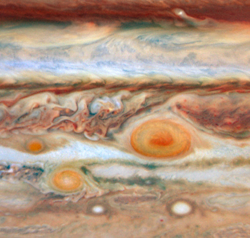 danhacker:Hubble captures new red spot on Jupiter. That can't be good.If you squint, doesn't Jupiter look a little like lasagna?
