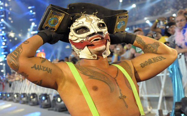 For WrestleMania 25, Rey Mysterio continued his theme of dressing as comic book characters and showed up as the Joker from the Dark Knight.