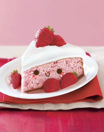 loveandsugar:  kawaiijunkie:littlebalerina:cutekawaii:Kawaii Strawberry Cake by ~Independencies on deviantART