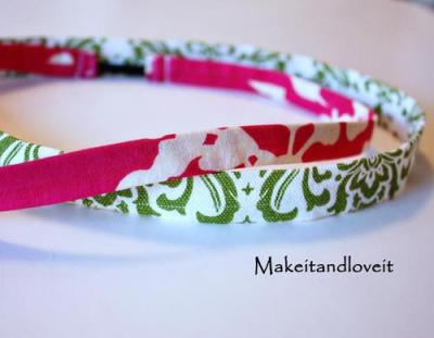 shedot1:  stretchy headband http://makeitandloveit.blogspot.com/2009/08/fabric-head-band.html