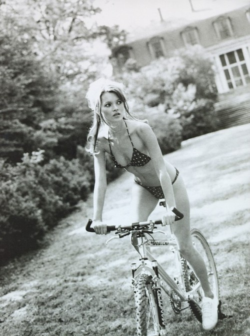 thingsthatexciteme: Kate Moss