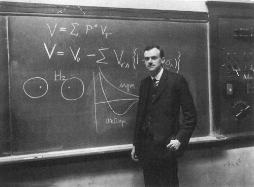 mundos:  P.A.M. Dirac at the blackboard