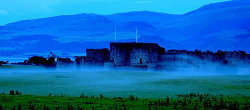 Beaumaris Castle in the mist (via Today is a good day)