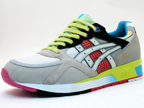 I really like thoes ASICS shoes they made with mita for Kirimomi Project, really cool. Source : Hypebeast.