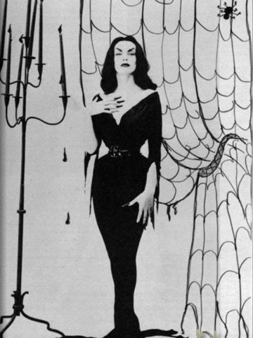 Maila Nurmi had a 17-inch waist and little to no personality.