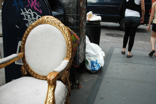 New York City. Best streetside garbage in the world. (Tumblr reblog, courtesy of: presidents.)