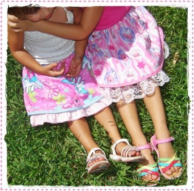 Quick and easy 2-tiered skirt tutorial. http://themamadramalogues.blogspot.com/2009/08/make-it-quick-and-easy-2-tiered-skirt.html