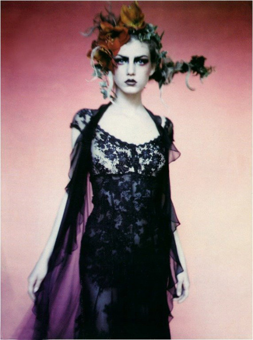 morbid-glam:  maliciousglamour:  Angela LindvallPhotographer: Paolo Roversi (via cross-stained, fypaoloroversi)