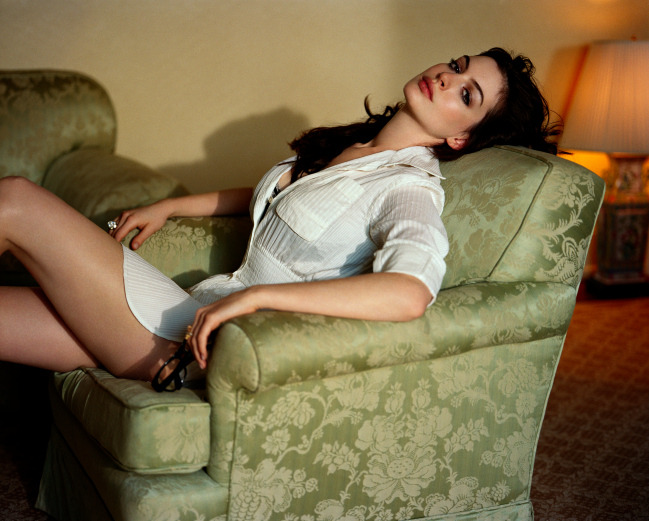 classics:deadgirls:sexual:suicideblonde:bohemea: Anne Hathaway