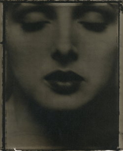 liquidnight:  Sarah Moon Yaël Raich, 1993 From Coïncidences  (via liquidnight)