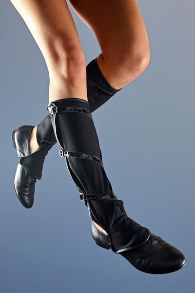 Anyone else in love with shoe spats?  (click photo to look at more)  =)