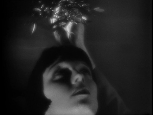louise brooks  via tobia e brooksie e blackwavves