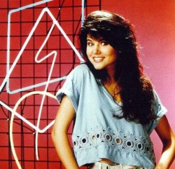 TOP 5 CHILDHOOD TELEVISION SHOW CRUSHES BY TYLER HOEHNE 1. Kelly Kapowski2. Topanga Lawrence3. April O'neil4. DJ Tanner5. Laura Winslow