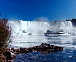 the-bucket-list:  Do Something Really Touristy Niagra Falls Canada/United States