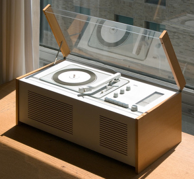 The Mid-Century Modernist: Braun SK 6 by Dieter Rams
