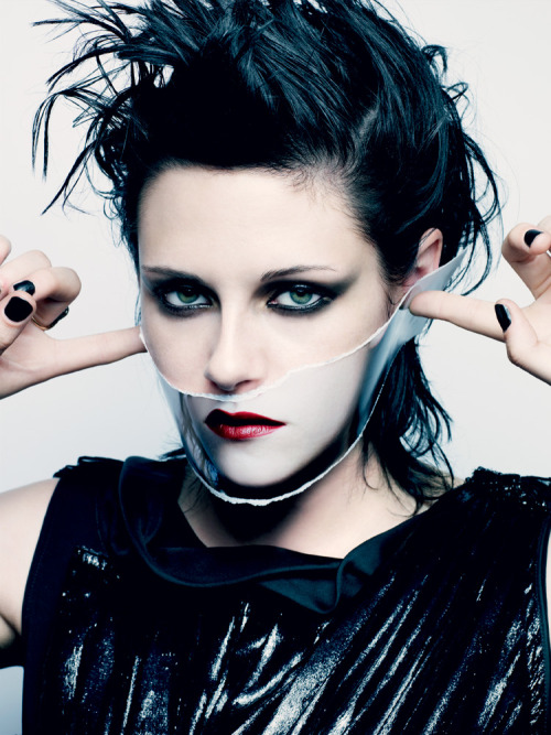 (via fuckyeahkstew) fierce!
