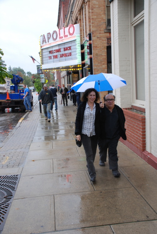 "From: @OberlinProspies ""Danny Devito and Rhea Perlman in Oberlin! Thanks for saving the Apollo!"" (Jonathan Demme, Jim Burrows, Devito and Perlman have been instrumental in revamping the Apollo, Oberlin's one-screen theater.)"