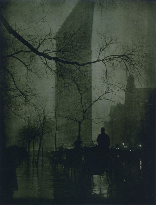 The Flat Iron, 1905 Photographer:  Edward Steichen