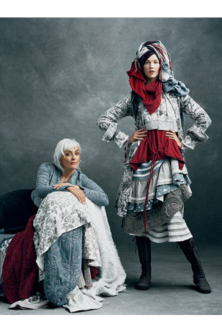 "The 2009 CFDA / Vogue Fashion Fund Finalists Southern Comforts ""Natalie Chanin reclines on bedding from her home collection, and model Karlie Kloss piles on pieces from the spring line."" [style.com]"