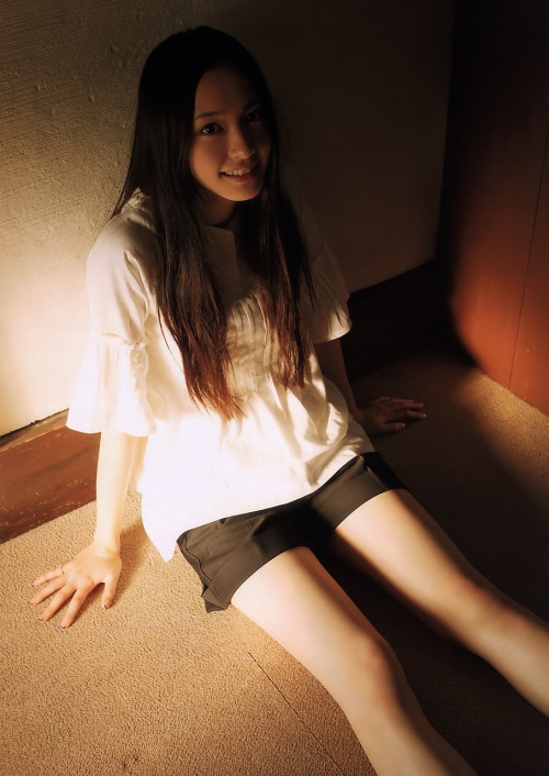 lovecutegirls:  fuckyeahcawaii:  kingsidea:  kawaii-sexy-love:  Yui Aragaki 新垣結衣(via nomore-a-girl)