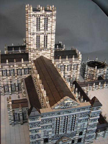Salisbury Cathedral in LEGO by torgugick