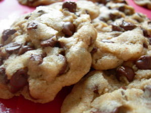 Speaking of cookies, the Happy Vegan Chocolate Chip Cookies recipe on VegWeb is probably the best, easiest, and most delicious recipe for chocolate chip cookies. I'm about to get up on some of these tonight. I just thought you should all know.