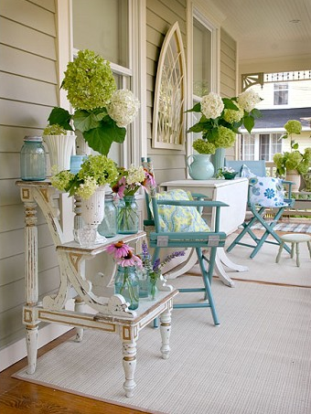 egeriaswell:  turquoisetulipsandbliss:  Friday's Blissful Porches sweethomestyle:  houseofturquoise.com  (via justbesplendid)