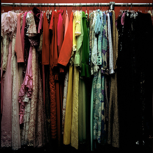 fizzzzy:  (via newyearskiss) i love a good color-coded closets.