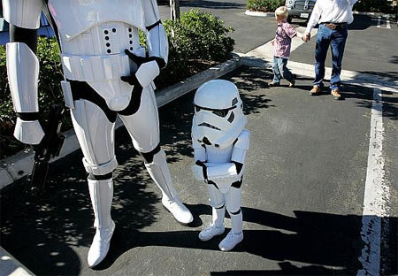 "fuckyeahstarwars:  ""Aren't you a little short for a stormtrooper?"""