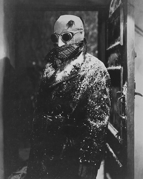 monstercrazy:  Claude Rains, The Invisible Man (1933)