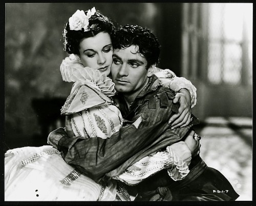 onscreen and off screen lovers - Vivien Leigh and Laurence Olivier star in Fire Over England, 1937.