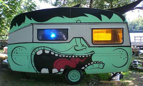 via asset.soup.io   zombify your caravan