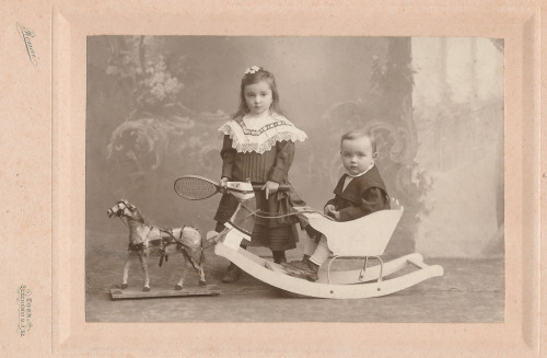 Perfect(ly Dapper) Outfits of the Day CLXXIX and CLXXX: Children 1890-1910