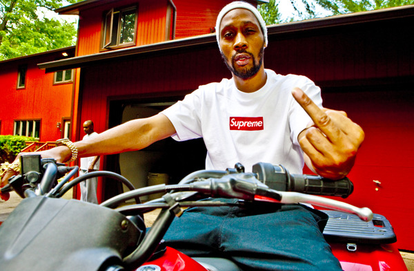 fuckyeahsupreme:  waxandmilk:  RZA for Supremephoto by Kai Regan via Kai Regan Blog / big ups to the BLAAAHg