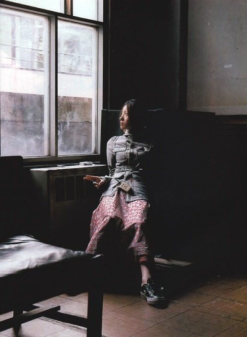 chrryblssmninja:  one of my favorite Shiina Ringo pics.