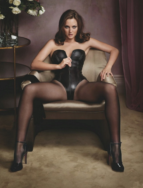monbonheur:  bohemea:  Leighton Meester - GQ, December 2009 In glorious HQ!  oh yeaaaaaaah…  Yearbook creative shot? Yesssssir hehehe