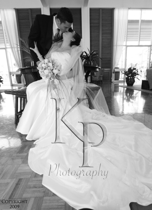 The wedding of RIchard and Christina was beautiful.  With over 1300 photos it was hard to choose which to display, so there will be a few slideshows.  If you'd like to click through a little more go to myspace.com/KalenaPatyPhotography