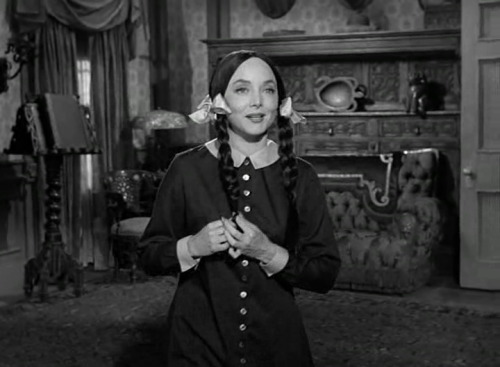 "monsterman:  The Addams Family episode ""Morticia's Romance""  (via monsterman)"