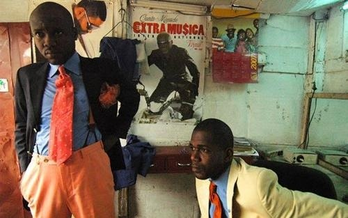 "Dandies in the Congo - part of a dandy subculture called sapeurs, detailed in the photo book ""Gentlemen of Bacongo.""  More photos at Jezebel. (thanks Ryan)"