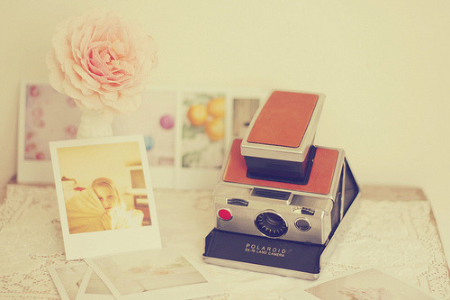 Polaroid SX-70 Love ♥ (via Kristybee)