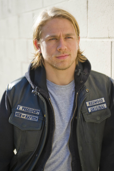 (via fuckyeahcharliehunnam) Requested by anon.