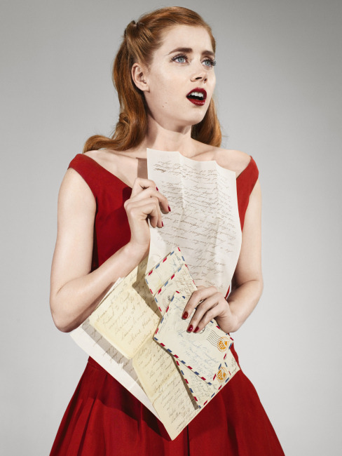 Amy Adams, red, gray, par avion, air mail, envelopes, letters // bohemea
