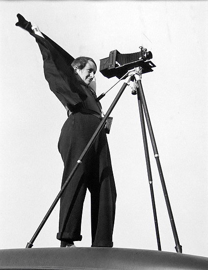 ladies with cameras:Dorothea Lange And Zeiss Jewell Camera,1937 by Rondal Partridge  [son of Imogen Cunningham]