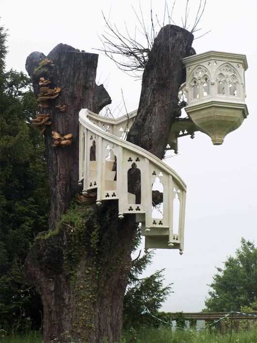 No sweet and cute tree-house's for me, I want this one!