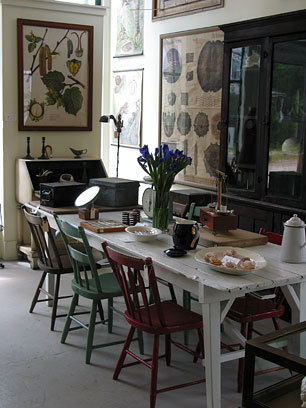 myfarmhouse:  mismatched chairs via white and wander