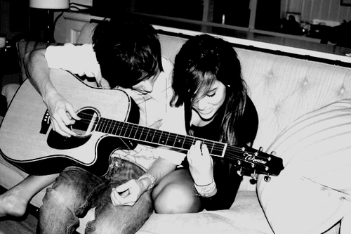 (via cutecouples, saintsandliars)  Aw(: