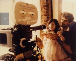 Young Zooey Deschanel with her father, Caleb Deschanel.