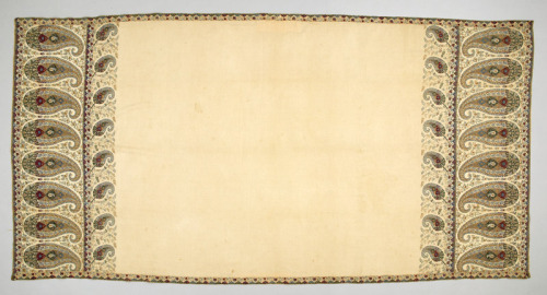 19th-century shawl from England. [Textile Museum of Canada]